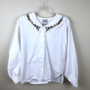 Vintage Embroidered Collar Blouse Large At Last L